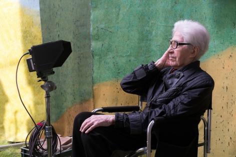 Alain Resnais en el rodaje de 'Amar, beber y cantar'