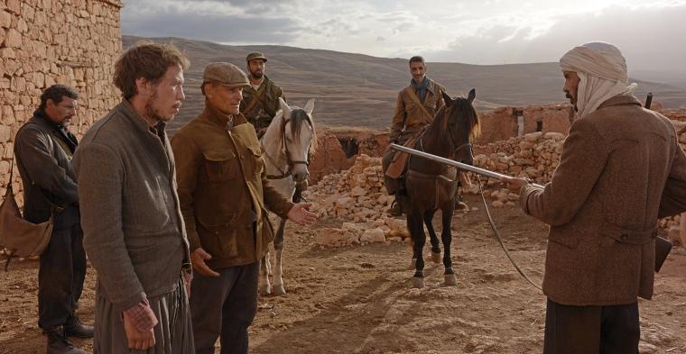 Fotograma de 'Lejos de los hombres'.